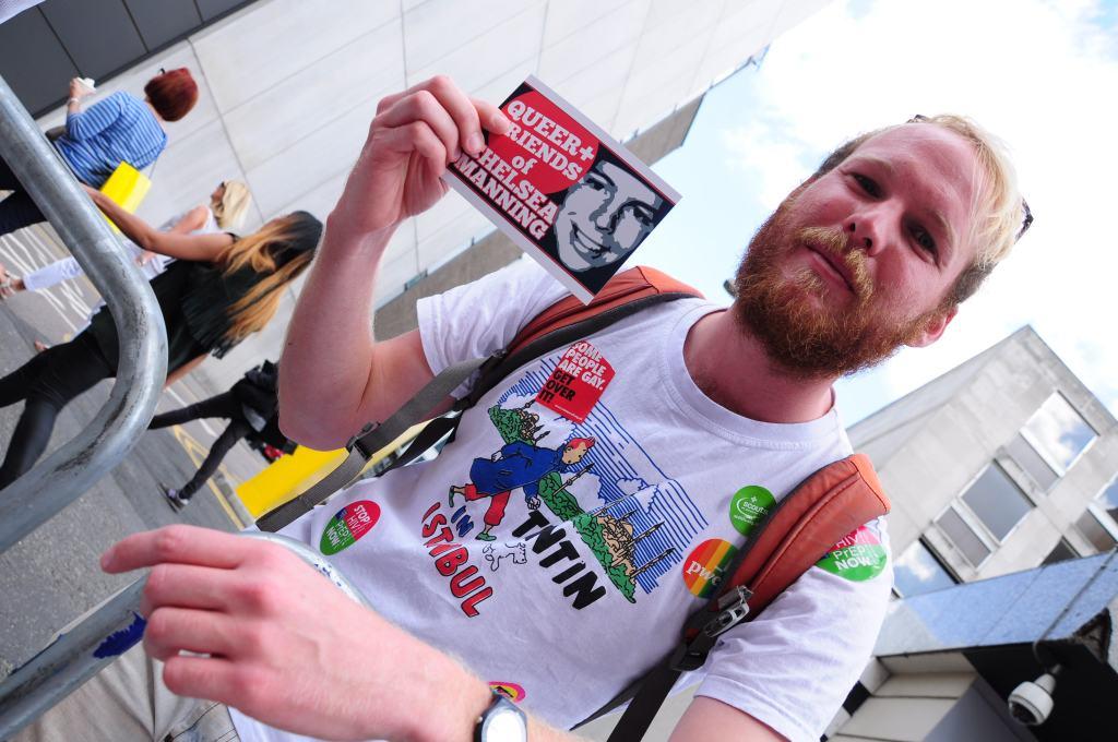 Tintin fan is also a fan of Chelsea Manning! Great taste! :D